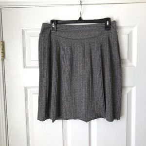 Banana Republic Heather Gray pleated a kind skirt